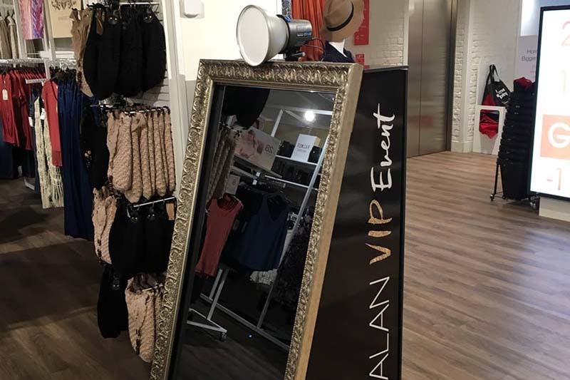 Mirror booth for rent